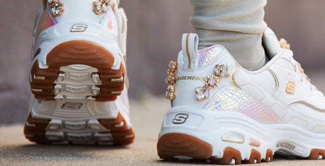 Dodatki na jesień: Te buty pokochały nawet największe gwiazdy! Sprawdź modele Skechers z rabatem do -75%!