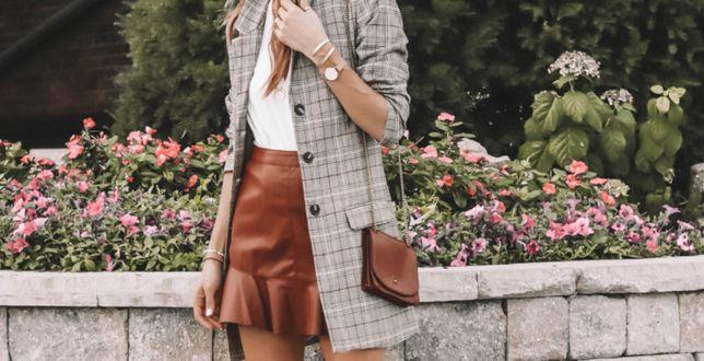 Street style: Tę spódnicę można wystylizować na wiele sposobów. Jest elegancka i bardzo modna!